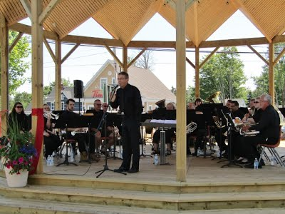 Applause clipart brass ensemble. Band day the hall