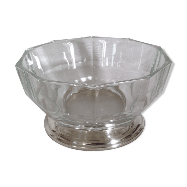 Transparent bowl silver. Crystal fruit and metal