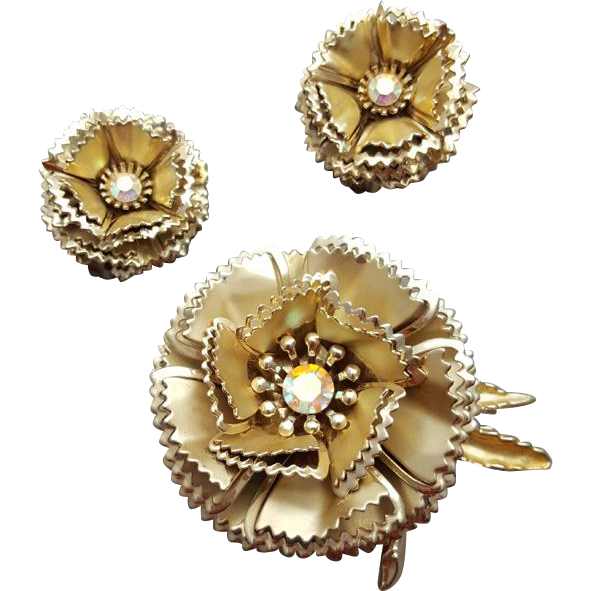 Clothing clip jewelry. Brooch with earrings three