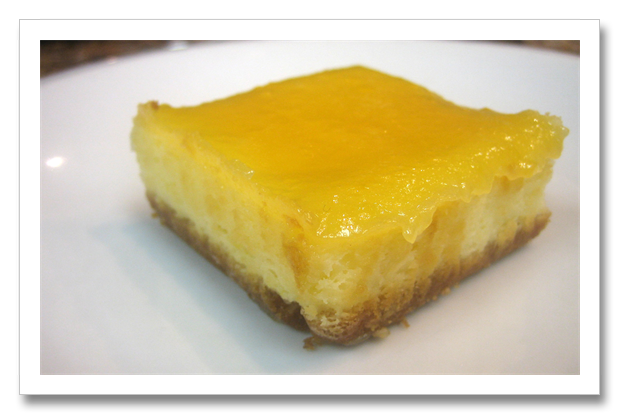 Cheesecake transparent lemon. Squares with curd tastingspoons