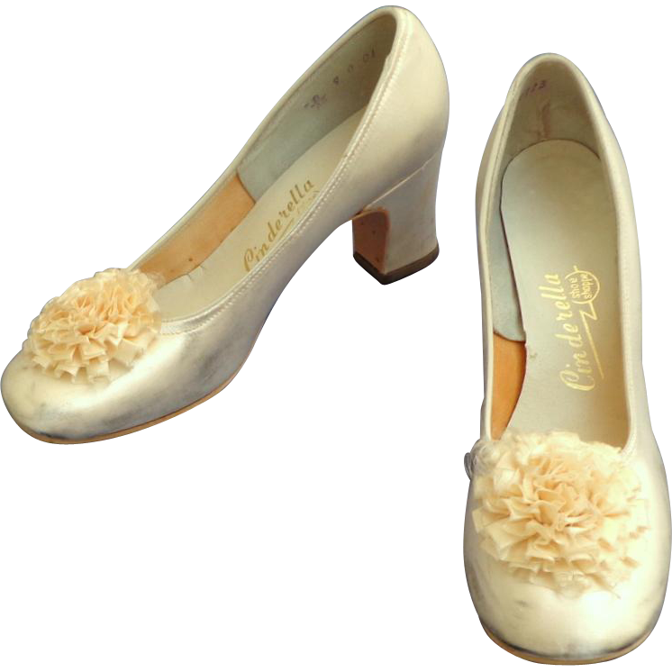 Clip shoes bridal shoe. White satin wedding with
