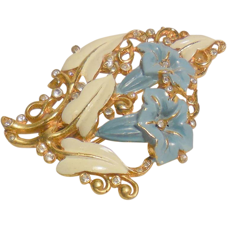 Jewelry clip shoe. Vintage crown trifari morning