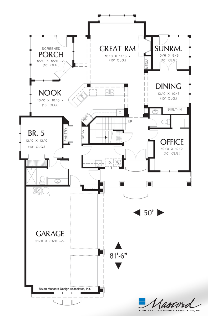 Double drawing traditional. Main floor plan of