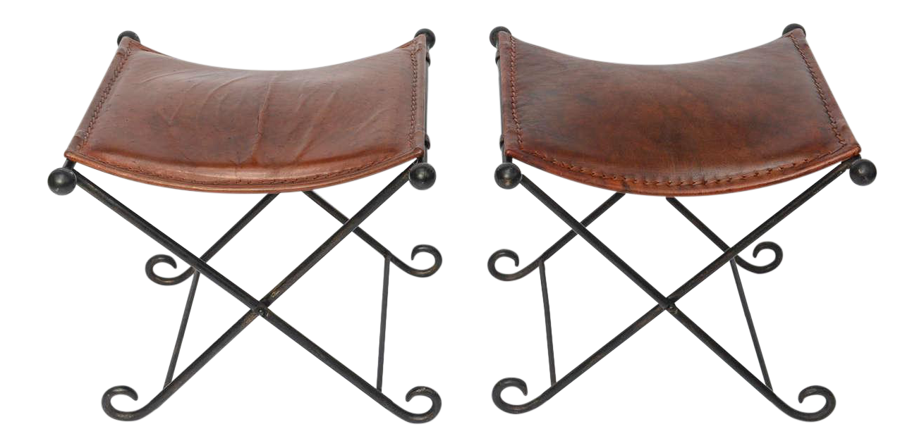 Drawing benches chain. Exceptional pair of s