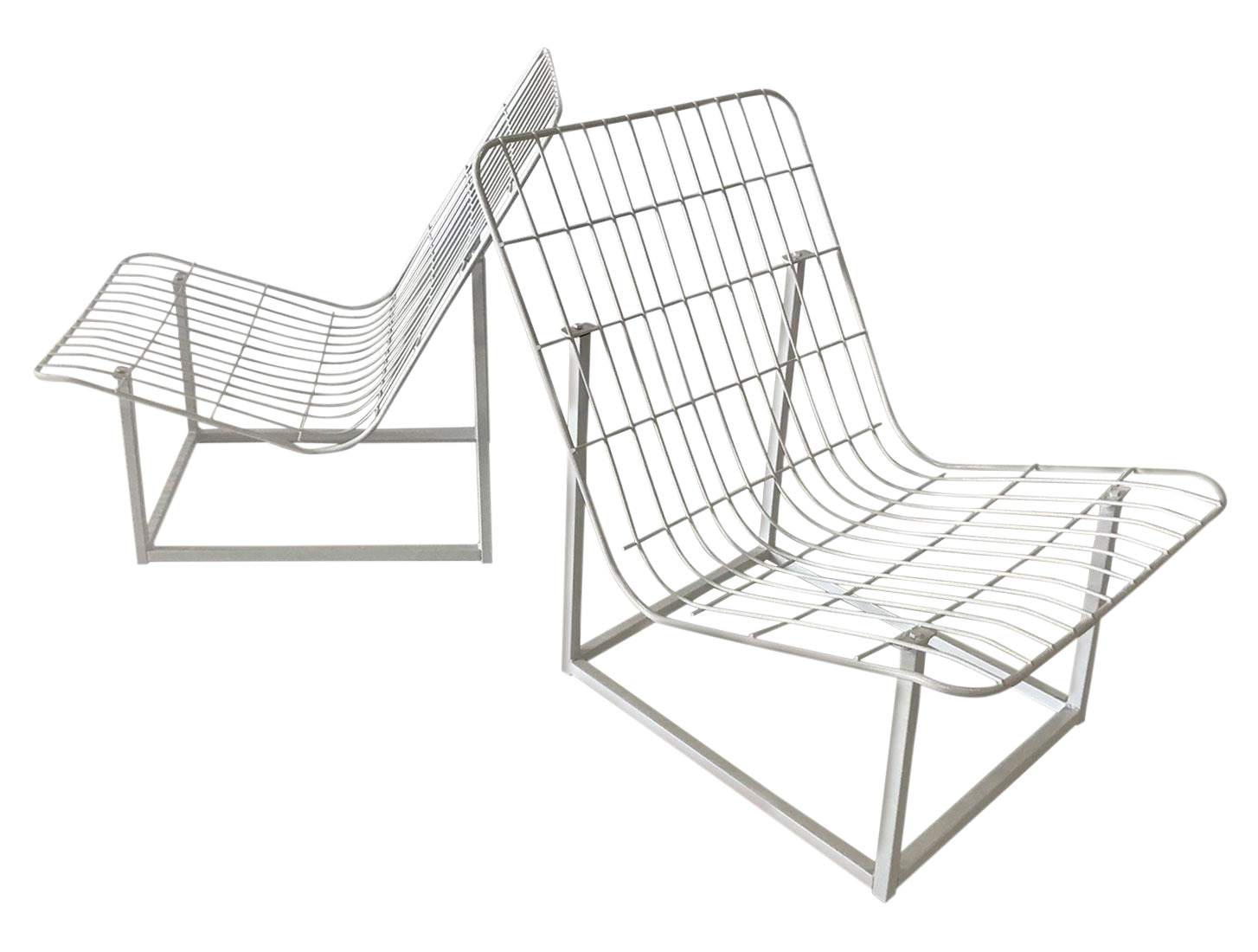 Outdoor drawing seating. S wire frame