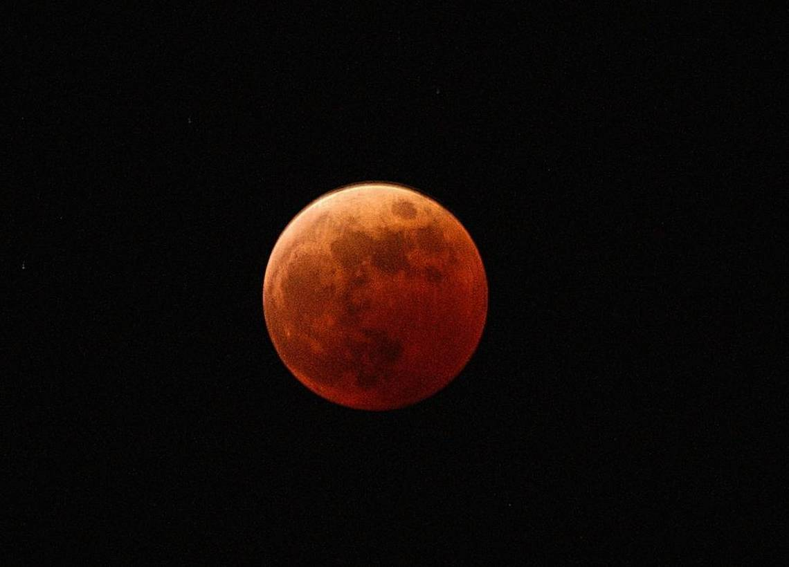 Eclipse clipart blue red moon. Super blood to appear
