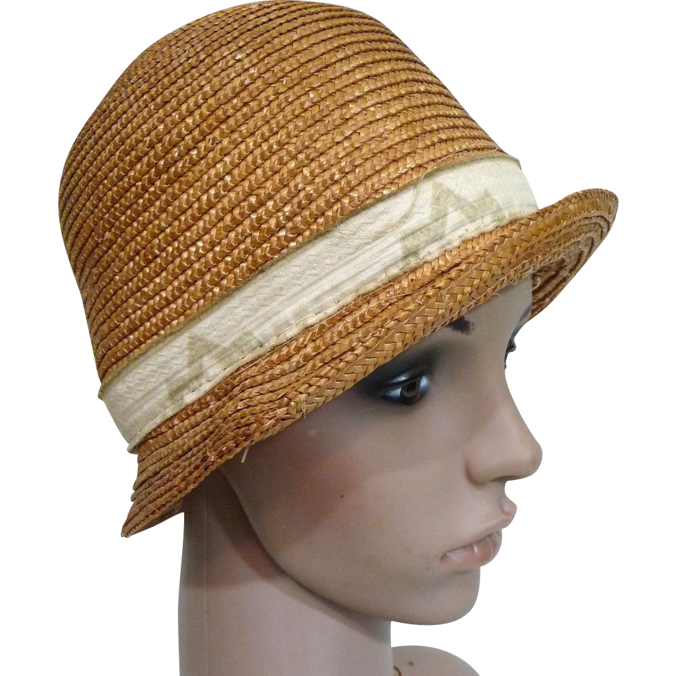 Flappers drawing cloche hat. S straw vintage