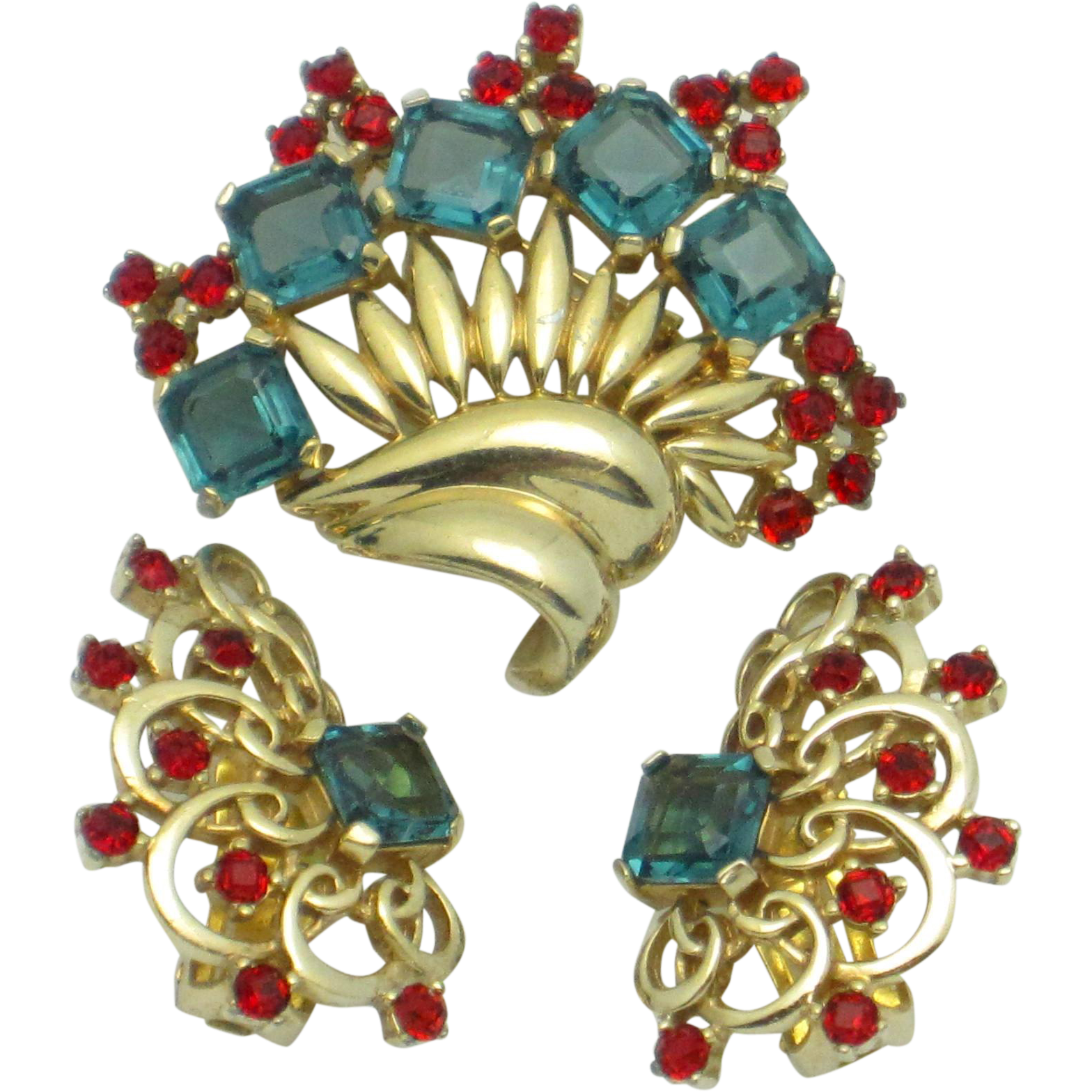 Fur clip boucher. Marcel s gold plated