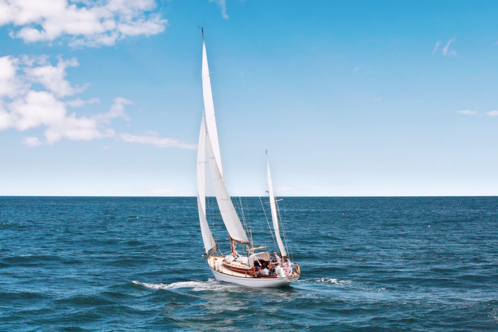Blue land yacht. Sailboat pictures download