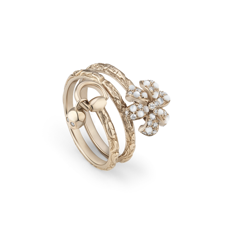 Gucci gold logo png. Touch of flora ring