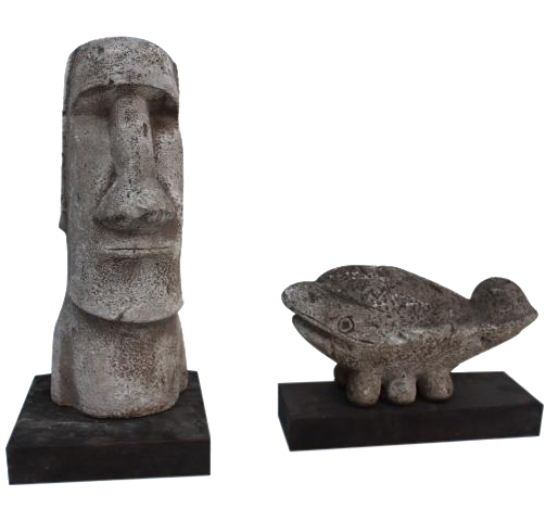 Moai drawing sculpture. And baleen stone sculptures