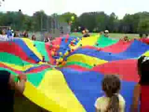 Parachute clipart parachute game. Games youtube
