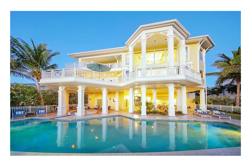 Pool transparent mansion. Gulf of mexico