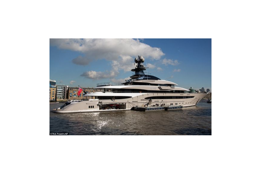 Pool transparent sky london. Yacht reportedly owned by