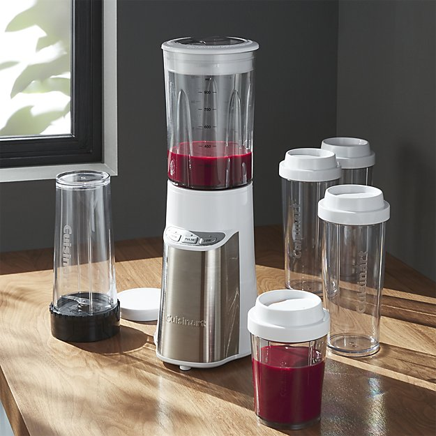 Shaking smoothie maker