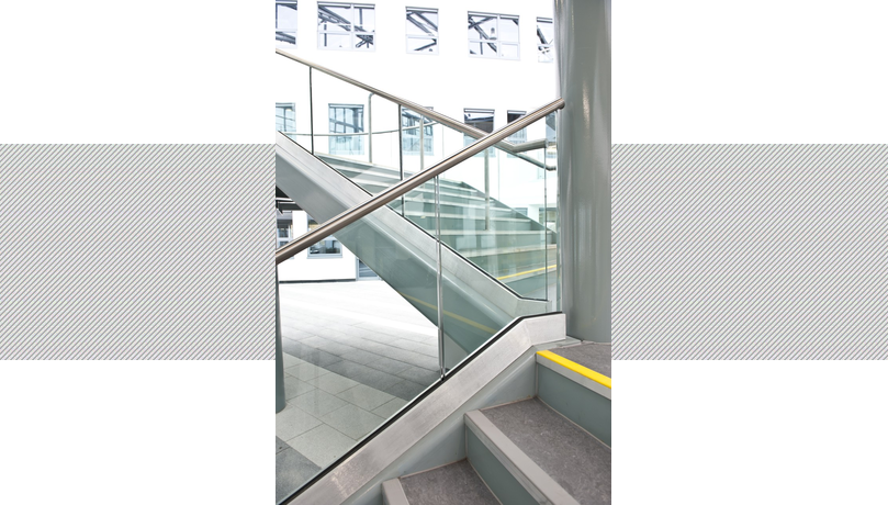 Stairs transparent small glass. The taper loc system