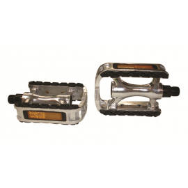 Toe clip alloy. Pedals and clips spare