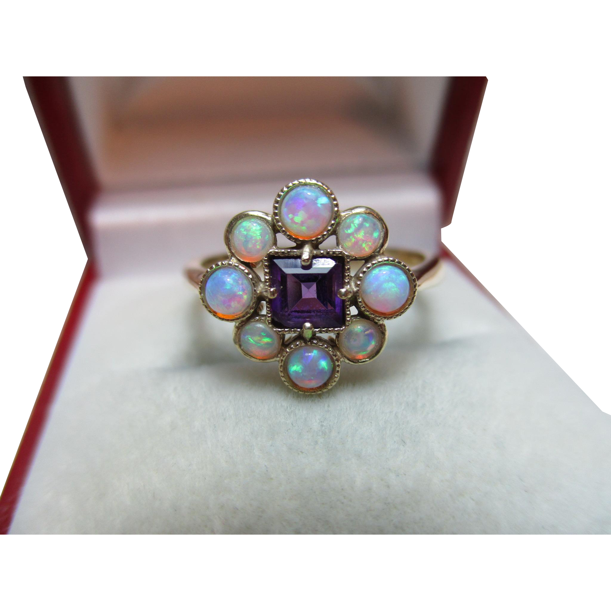 Transparent opal rainbow fire. Attractive vintage ct solid