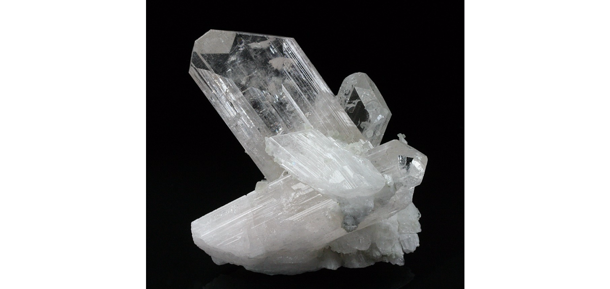 Transparent stones danburite. Nadine hunter of rocks